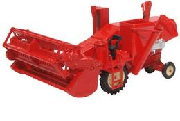 Combine Harvester Red. - Cars & 4-wheels