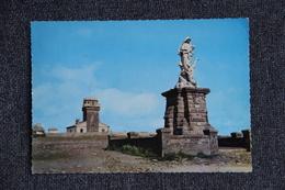 La Pointe Du Raz - La Statue De N.D Des Naufragés Et Le Sémaphore. ( Cachet Et Timbre Au Verso). - Altri Comuni