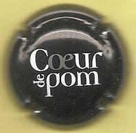 Capsule De Muselet - Coeur De Pom - [cidre - Blanc Et Gris Sur Noir] - Capsules & Plaques De Muselet