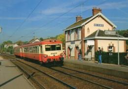 78 Arrivée De L'Autorail X 4500 En Gare De MAREIL-sur-MAULDRE - Estaciones Con Trenes