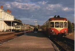 24 Le X-2408 Et La RGP2 En Gare De SARLAT - Estaciones Con Trenes