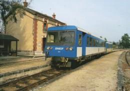41 Autorail De Dion En Gare De PRUNIERS (2) - Estaciones Con Trenes