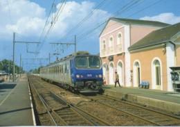 41 Le TER Centre En Gare De SALBRIS - Estaciones Con Trenes