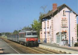 37 La Rame Inox Omnibus Centre En Gare De SAINT-MARTIN-le-BEAU - Estaciones Con Trenes