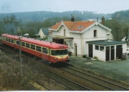 "37 Autoerail ""Caravelle"" En Gare De LA MEMBROLLE-sur-CHOISILLE - Estaciones Con Trenes"