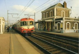 "28 Autorail ""Caravelle"" En Gare De COURVILLE-sur-EURE - Estaciones Con Trenes"