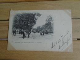 """Carte Assez Rare De 1902 , Angers , Le Boulevard De Saumur """" Carte Animée """" """""""" Beaux Timbres Et Cachets Taxe """""""" - Angers"""