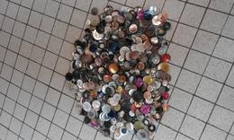 Très Jolie Lot De 465 Boutons En Nacre - Botones