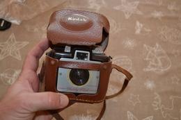 Appareil Photo Kodak Brownie Holiday Flash - Materiale Di Profumeria