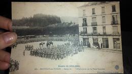 CPA Bruyères En Vosges Revue D'infanterie Sur La Place Stanislas Guerre 1914 1915 - Bruyeres
