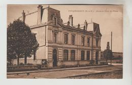 CPSM TUCQUEGNIEUX (Meurthe Et Moselle) - Mairie Et Hôtel Des Postes - France