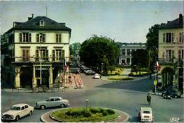 68 .. MULHOUSE .. PLACE DE LA REPUBLIQUE ...  PEUGEOT 403 .. BIERE DE LUTTERBACH ... CITROEN 2CV - Mulhouse