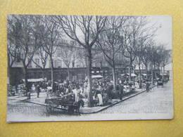 AMIENS. La Place Dewailly. Le Marché à Réderies. - Amiens