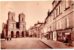 AUCH Rue De La République & Basiliques Sainte Marie - Auch