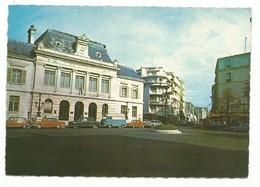 CPSM 92 Neuilly Sur Seine - La Place Parmentier - Véhicule Vintage Estafette Cadillac - Raymond Non Voyagée - Neuilly Sur Seine