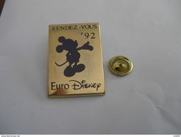 Gros Pin's EURO DISNEY RENDEZ-VOUS 92 Signé Arthus Bertrand - Disney
