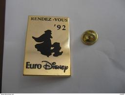 Gros Pin's EURO DISNEY RENDEZ-VOUS 92 Signé Disney - Disney