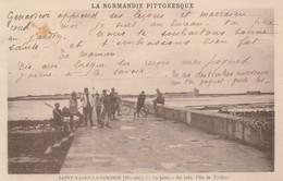 50 - SAINT VAAST LA HOUGUE - La Jetée - Au Loin, L' Ile De Tatihou - Saint Vaast La Hougue