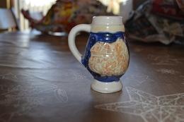 Petite Chope à Bière En Grès - Verres
