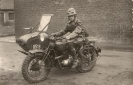 """Carte-photo - Moto """"Gillet"""" Et Side-car - 750cc 2 Cylindres - Armée Belge - Bataillons Moto Des Chasseurs Ardennais. - Motos"""