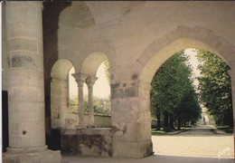 89----PONTIGNY--ancienne Abbaye Cistercienne--le Narthex De L'église--voir 2 Scans - Pontigny