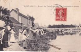 MONTARGIS           BORDS DU CANAL UN JPOUR DE CONCOURS DE PECHE - Montargis