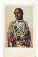 Indienne Nebraska Omaha USA Avec Collier Svastika Croix Gammée - Amérique
