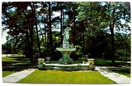 #691  Fountain-Statue Of Columbus - Georgia, United States - Postcard - Columbus