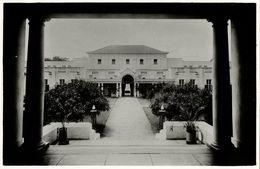 Rhodesia, VICTORIA FALLS, Hotel, View Of The Courtyard (1940s) RPPC - Zimbabwe