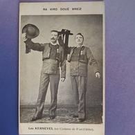 Les Kernevels En Costume De Pont L'abbé.bardes - Pont L'Abbe