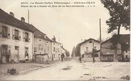 Arc-les-Gray - Place De La Liberté Et Rue De La Gendarmerie - Autres Communes