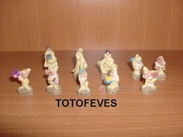 SERIE COMPLETE BLANCHE NEIGE NACRE OR DE 10 FEVES N°396 - Charms