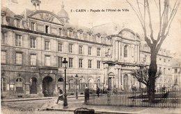Caen - Façade De L ' Hôtel De Ville - Caen
