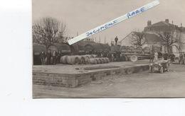 Très Belle Carte Photo - JONZAC - Marchand De Vin CORMELIER  - Wagons Près De La Gare - Chauffeurs - Camions - Jonzac