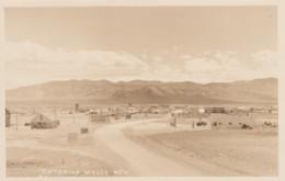 Wells Nevada, Gas Station On Right, Salt Lake City Sign, C1950s Vintage Real Photo Postcard - Verenigde Staten