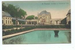Tournai Le Parc Et L'Hôtel De Ville - Tournai