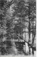 Cély. Le Ramassage Des Nasses De Pêche Sur Le Canal. - Francia
