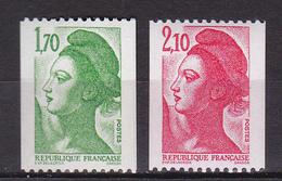 N° 2321a Et 2322b  Type Liberté De Lacroix Provenace De Roulette Chiffre Rouge Au Dos 710 Et 130 - France