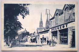 GARAGE PEUGEOT Quimper 1932 Boulevard Amiral De Kerguelen Lancement 301 Devanture Station Service Animée Militaires - Voitures De Tourisme