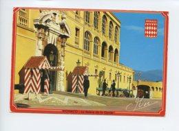 Principaute De Monaco - La Releve De La Garde Du Palais - Voyagee En 1984 - Monaco