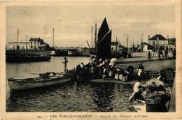 85 .. LES SABLES D'OLONNE .. ARRIVEE DES BATEAUX SARDINIERS - Sables D'Olonne