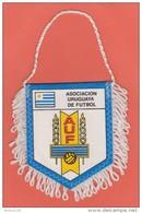 FANION FOOTBALL - ASOCIACION URUGUAYA DE FUTBOL  - ASSOCIATION DE FOOTBALL URUGUAY - PENNANT - BANDERIN - WIMPEL - BANDI - Apparel, Souvenirs & Other