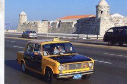 Lada VAZ 2101  TAXI In  Havanna, Cuba  2008     -  CPM - Taxis & Droschken