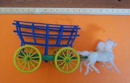 CARRO CON CAVALLI WAGON WITH TWO HORSES  VINTAGE - Figurini & Soldatini