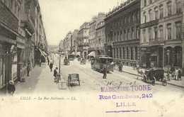 LILLE  La Rue Nationale TRAM  Fiacre Commerces Precurseur  RV Timbre 1C - Lille
