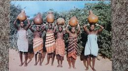 CPSM FEMMES NOIRES GIRIMA AVEC LEURS CRUCHES D EAU SEINS NUS ED EAST AFRICA MOMBASA KENYA - Afrique