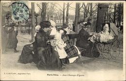 Cp Paris Arondissement Luxembourg, Aux Champs Elysées, Mères Assises, Poussette - France