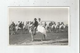 EN CAMARGUE CARTE PHOTO ARLESIENNES ET GARDIANS A CHEVAL (PHOTO GEORGE ARLES) - France