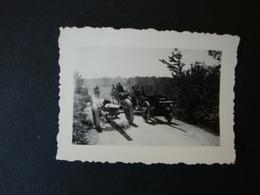 2. WK., Original Foto, Vom Feind Auf Der Flucht Zurückgelassene Geschütze - Dokumente