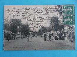 17 : FOURAS : LA PLACE CARNOT  , Animée: , C.P.A.,carte En Bon état - Fouras-les-Bains
